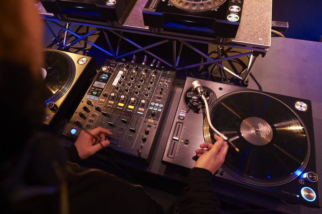 Sound Bar Scratch Beatz(サウンドバー スクラッチビーツ)