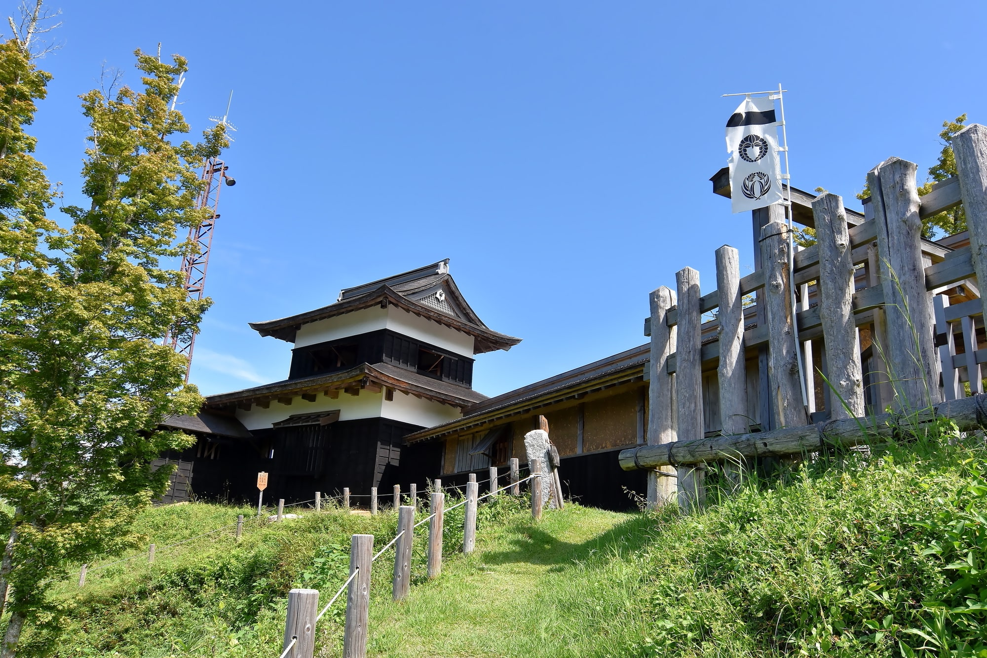 戦国時代にこの地を治めた足助鈴木家の本城