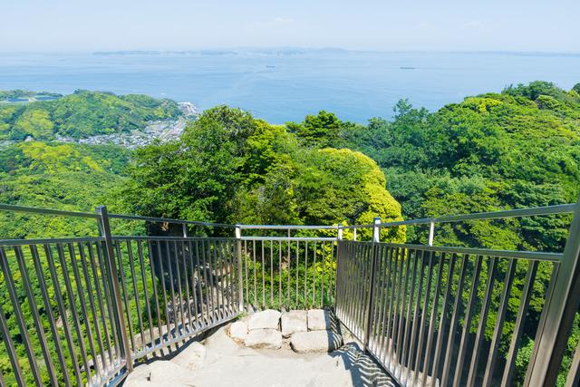 鋸山の山頂には「日本寺」というお寺がある