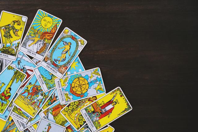 絵柄のカードはインスピレーションで読み解く
