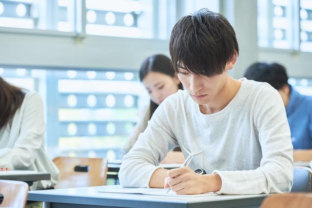 大阪の大学に通う大学4年生