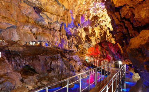 岐阜県の飛騨高山にある鍾乳洞