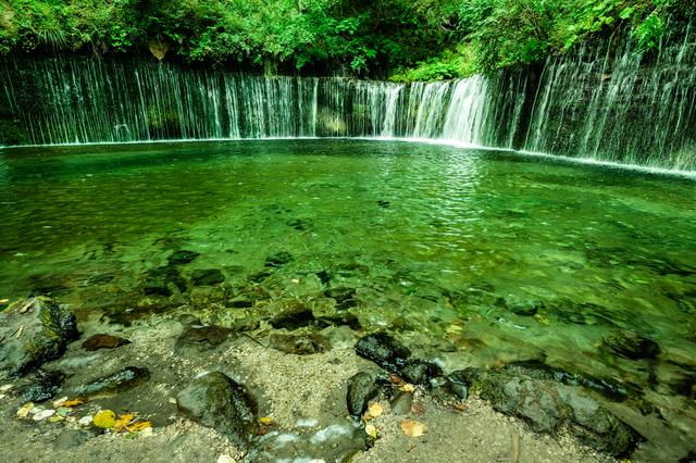 「白糸の滝」は上流に川を持たない、珍しい滝