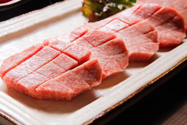 牛タンのお店は仙台市内にたくさんあります