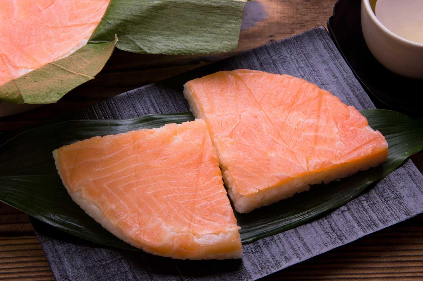 ます寿司自体は駅弁などで食べることもできる