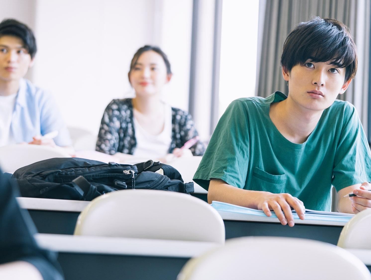 東京出身・在住、21歳の大学生
