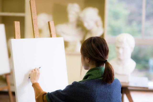 大学でも美術史を専攻していた