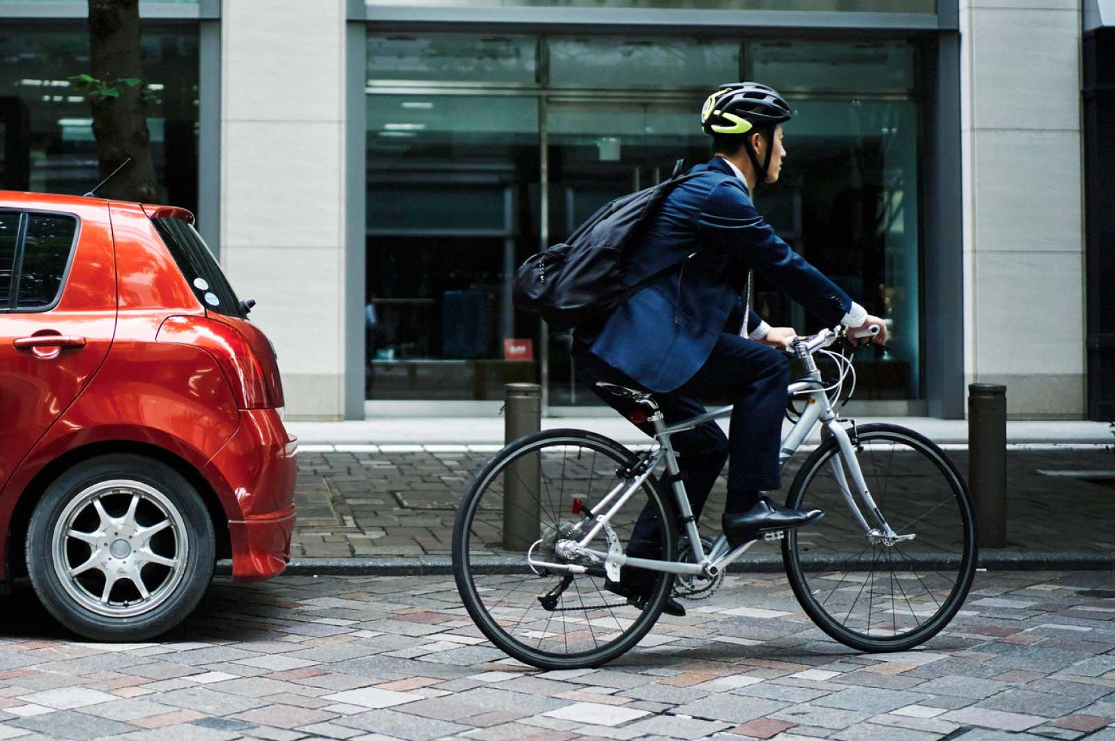 クロスバイクを購入する時にはある程度の初期費用が必要