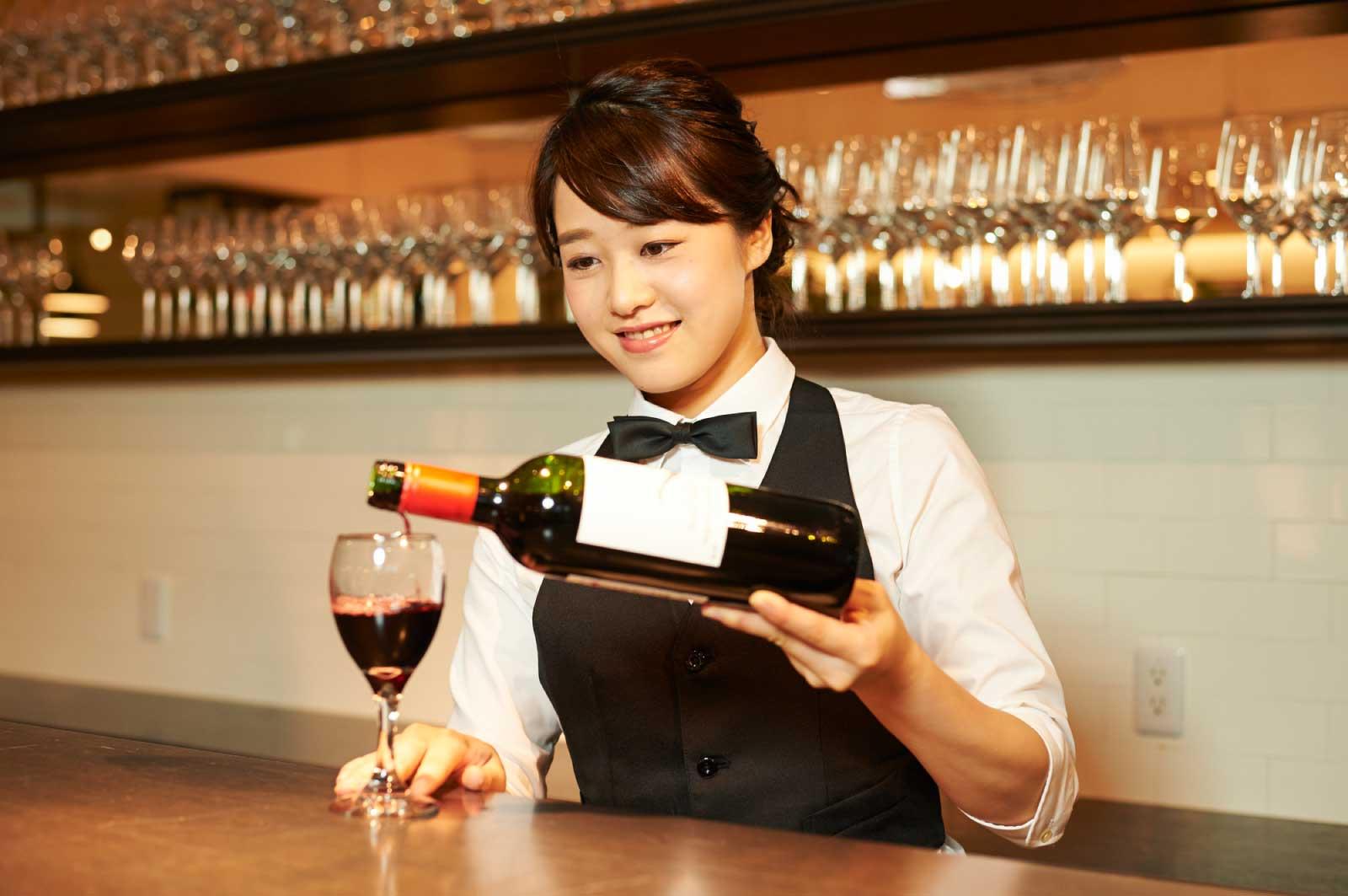 程よい値段でおいしいワインと食事ができるお店