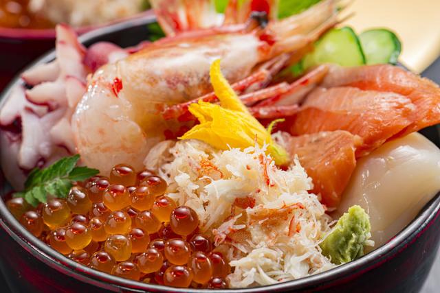 八戸で食べた海鮮丼