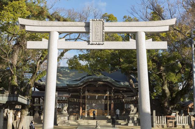 石切劔箭神社の鳥居と拝殿