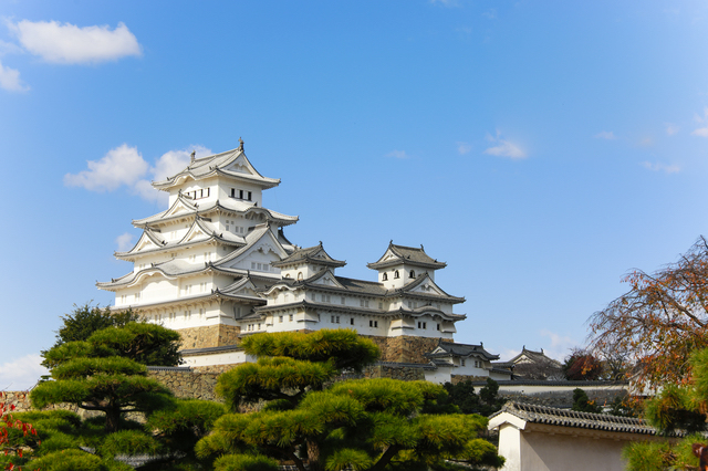 晴天の姫路城