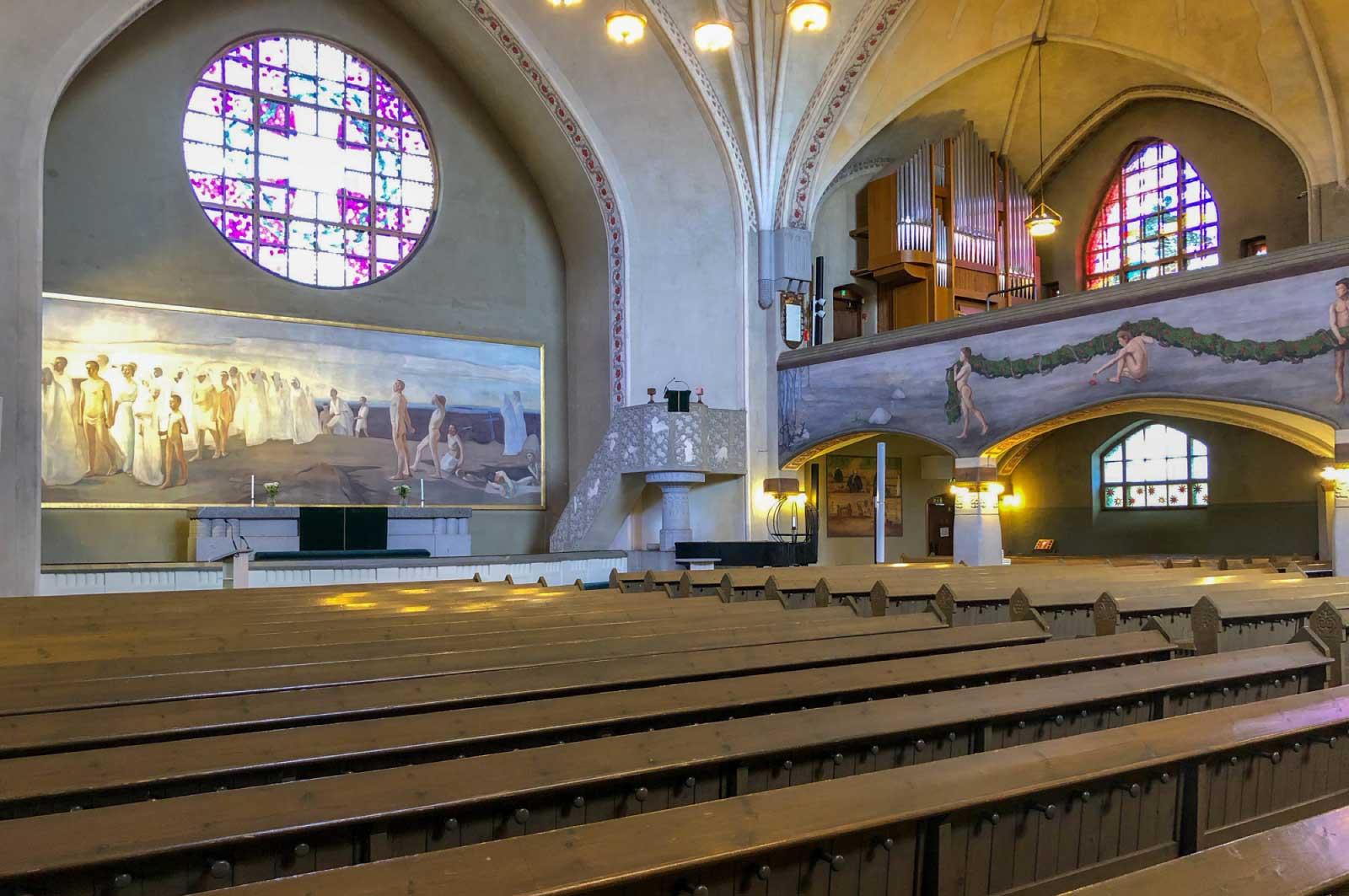 タンペレ大聖堂のステンドグラス