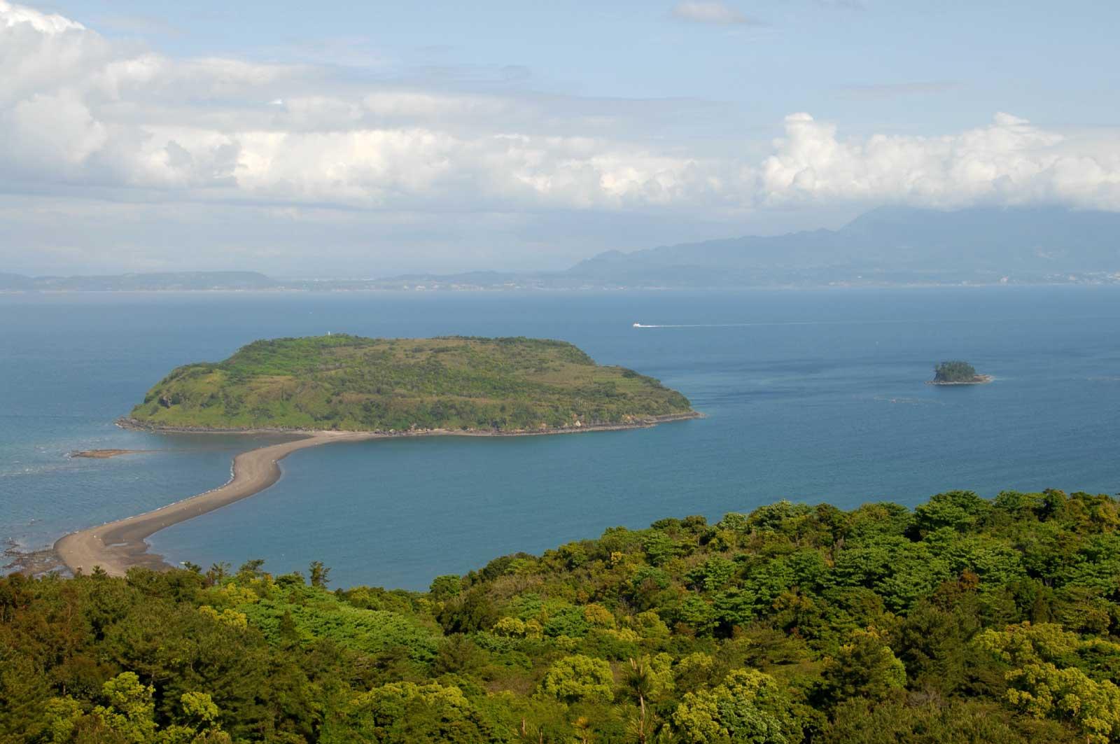 ちりりんロードで本土と繋がる知林ヶ島