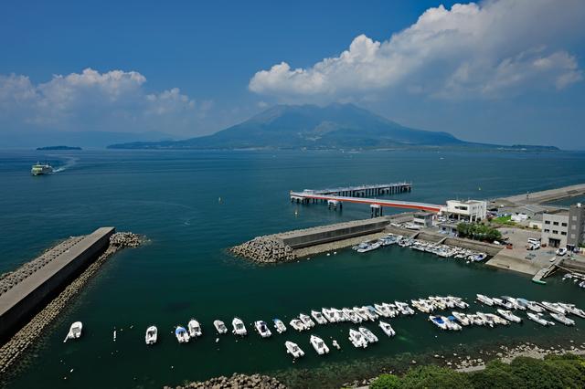 鹿児島(錦江湾と桜島)