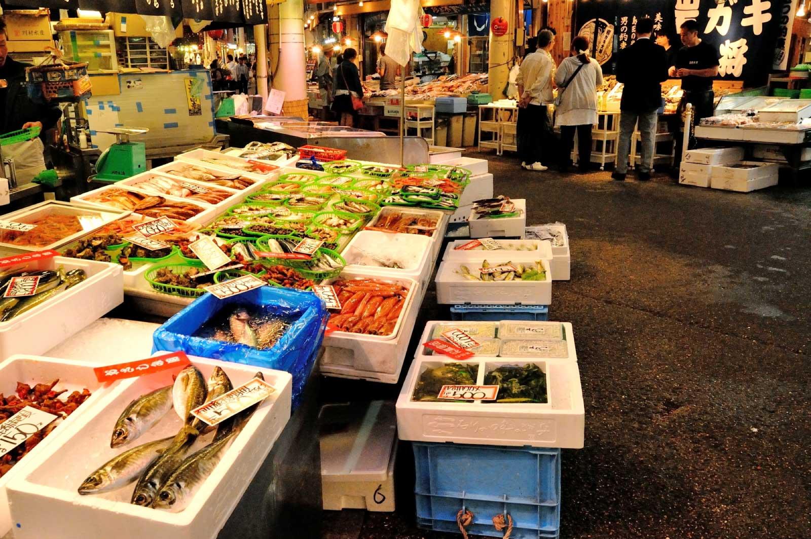 近江町市場は、金沢中心部にある市場