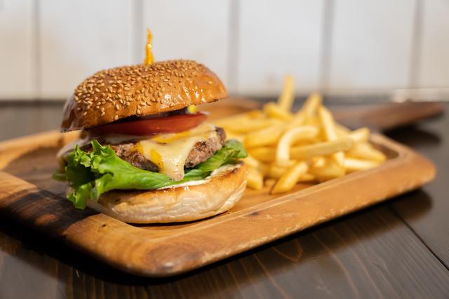 柏のレストランのハンバーガー