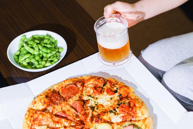 ジャンクなピザとビール