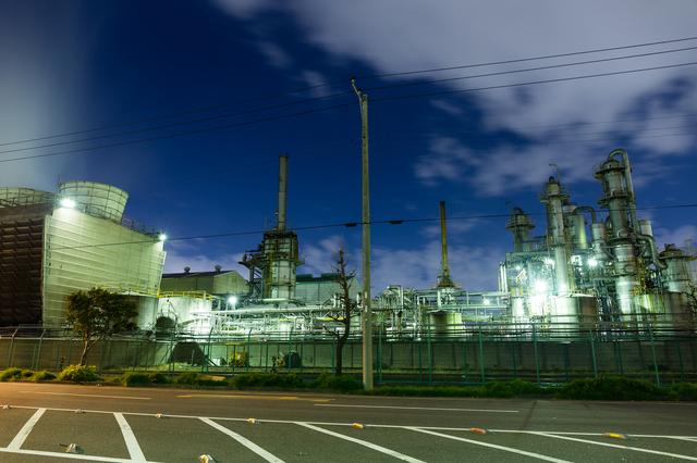 工場夜景を見たことがない人