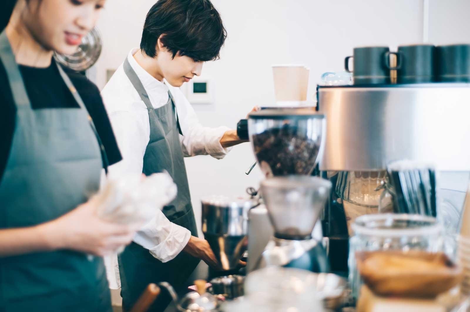 日本の街中って、ものすごくたくさんカフェがある