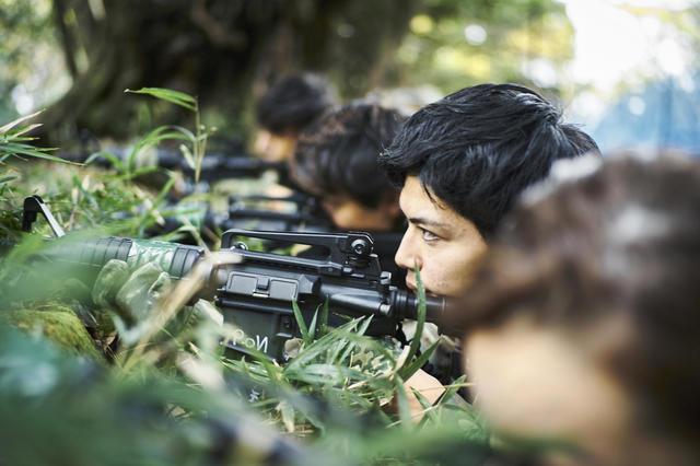 サバゲー銃撃戦