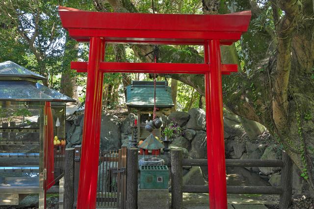 浄瑠璃寺の小さな祠