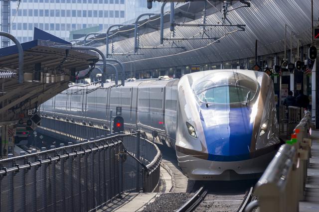 北陸新幹線(東京駅)