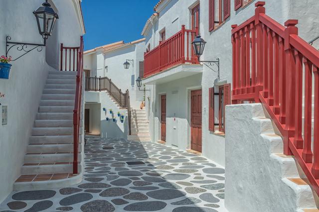 ヨーロッパのような街並みの志摩地中海村