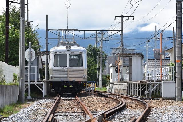 田舎を走るマイナー電車