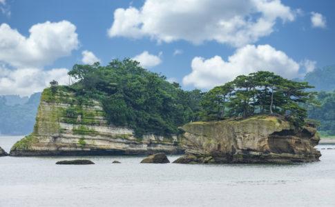 松島湾に浮かぶ美しい島(宮城)