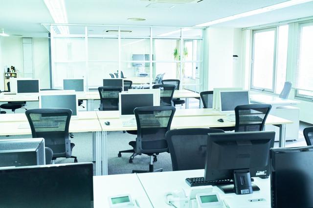 ホワイト企業のオフィス
