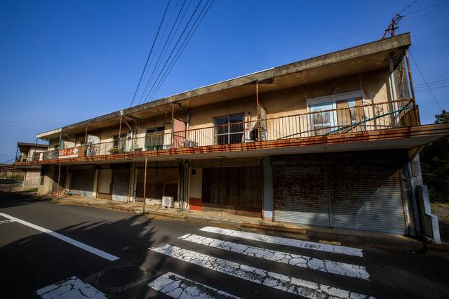池島の廃アパート