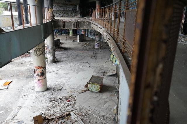 廃墟となったホテル