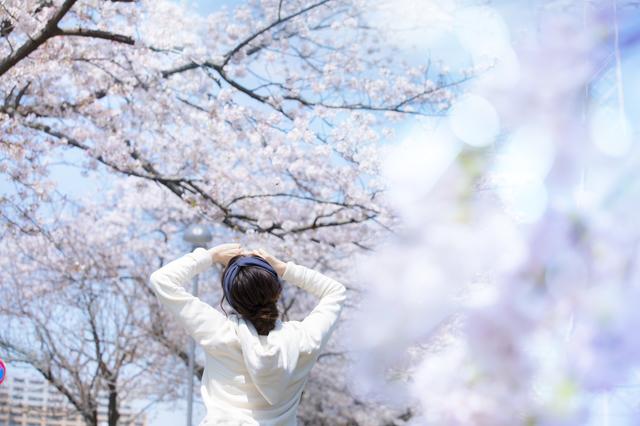 春を迎えた奈良の女性