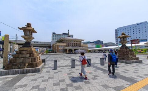 石灯篭と旧奈良駅