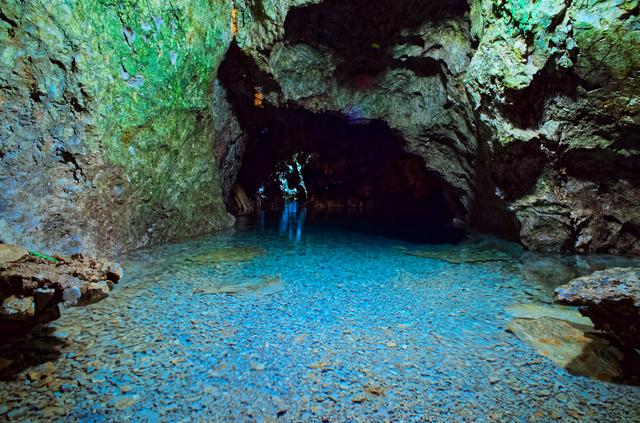 見所の多い稲積水中鍾乳洞