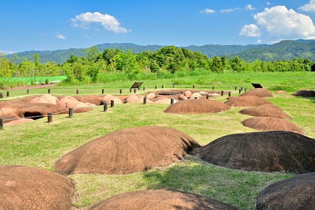 古墳が発掘されたままの状態(吉野ヶ里歴史公園)