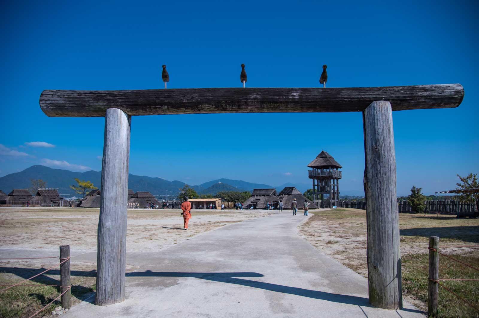 吉野ヶ里歴史公園に建つ鳥形