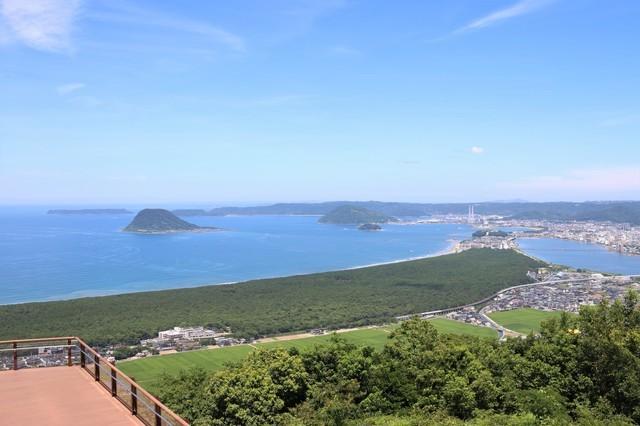 日本三大松原の一つ、佐賀の虹の松原