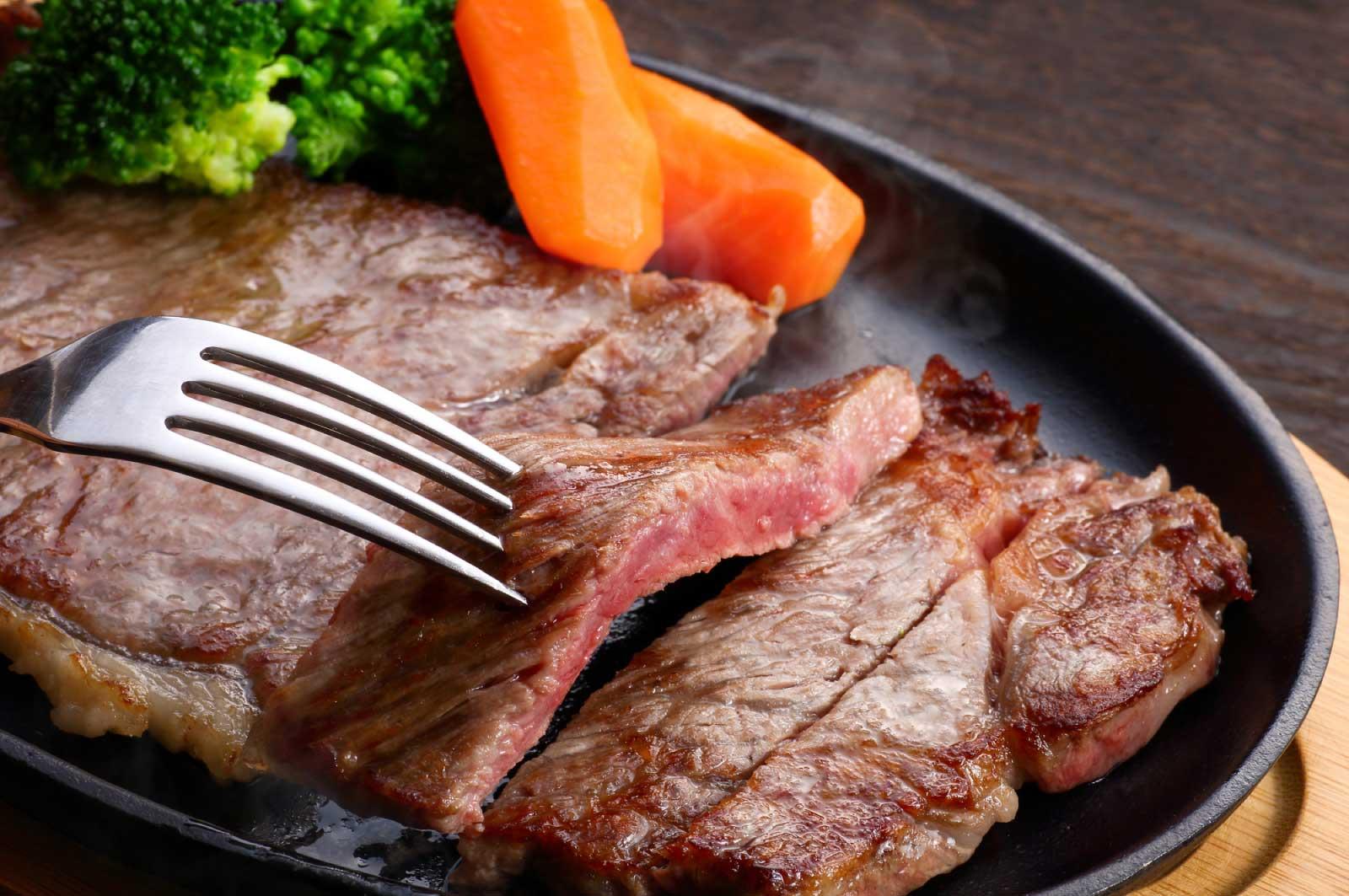 いろいろなお肉料理があります