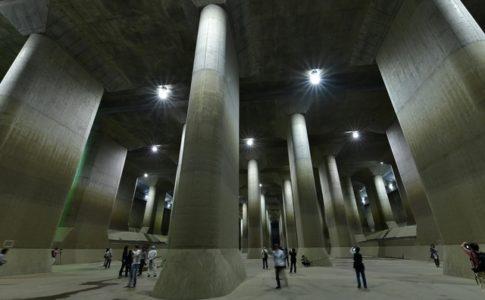 首都圏外郭放水路は地下神殿