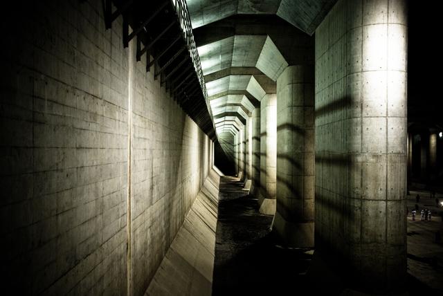 首都圏外郭放水路・調圧水槽