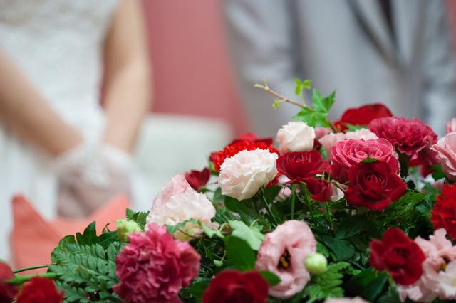 結婚式で飾り付けられた花
