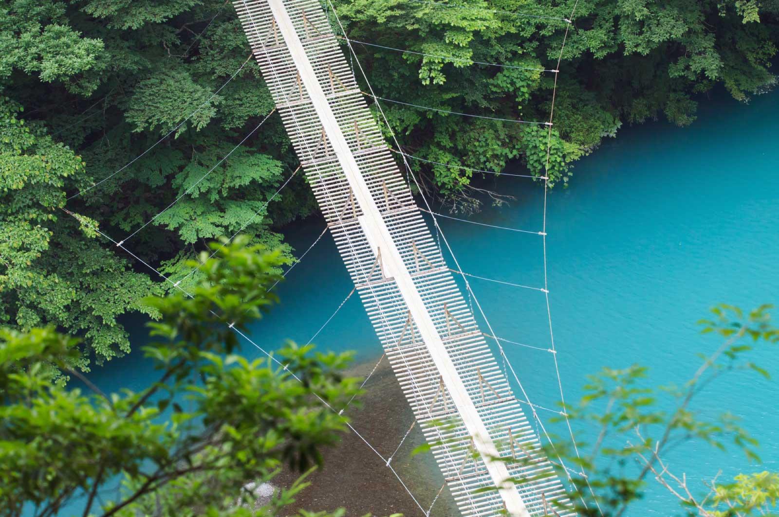 """橋の中央付近で、""""恋の願いをすると叶う"""""""
