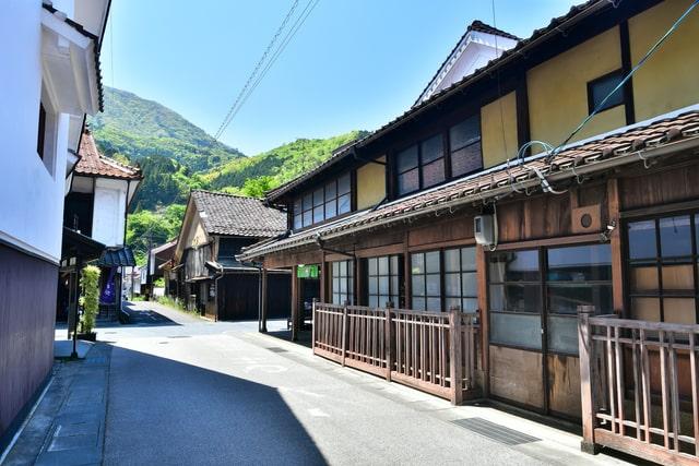 津和野というのは島根県南部、山口県都の県境にある地域
