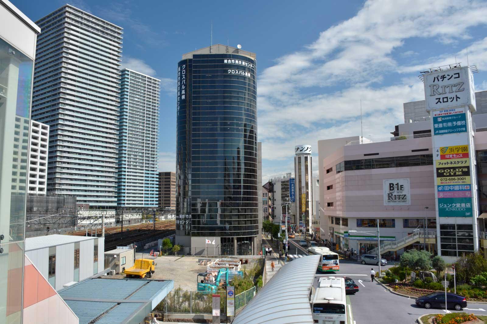 高槻駅前の景色