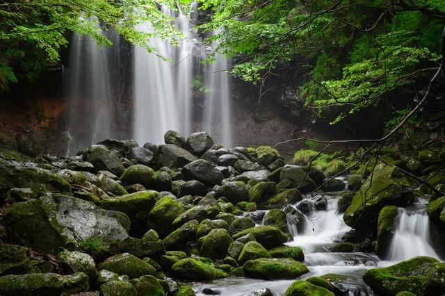 神秘的な「乙女の滝」