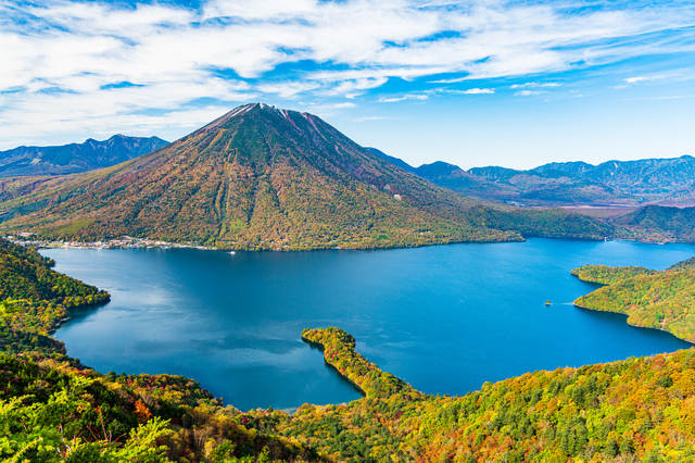 中禅寺湖と男体山(栃木)