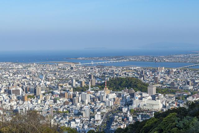 徳島の街並み