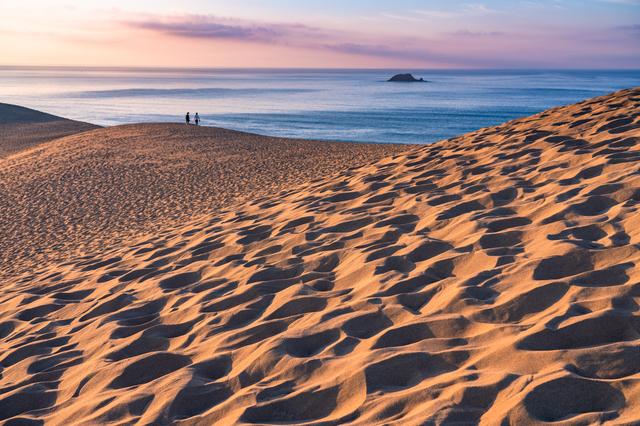 夜明けの鳥取砂丘